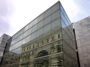 Fachada-biblioteca-foral-vizcaya-muro-cortina-modular-Riventi (7)