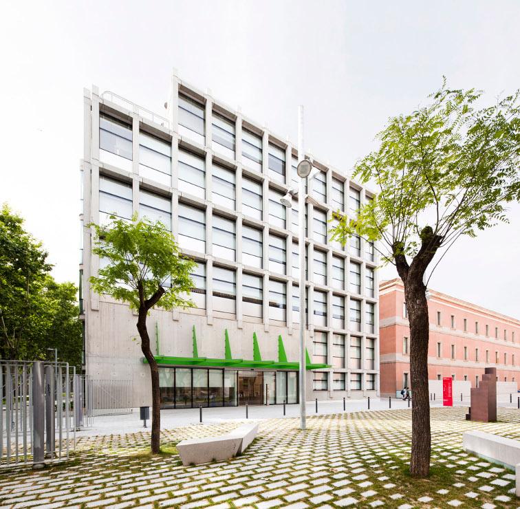 Fachada-fundacion-pasqual-maragall-muro-cortina-riventi (4)