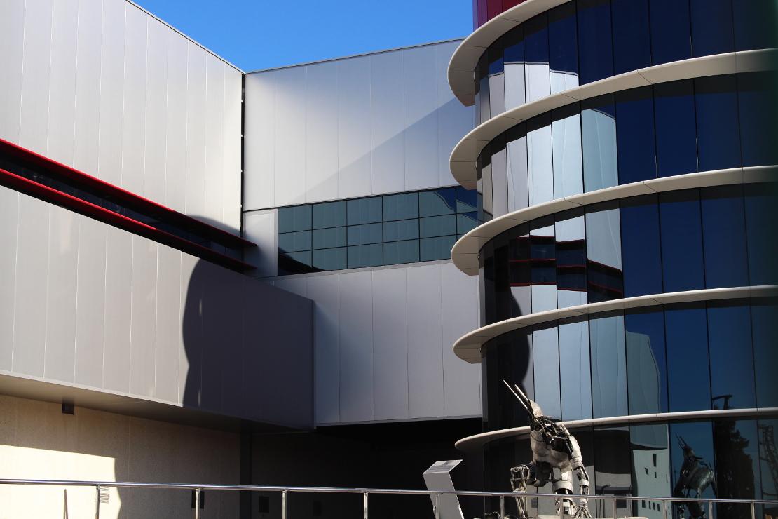 Fachada-oficinas-campofrio-Burgos_Riventi_muro-cortina-brise-soleil (1)