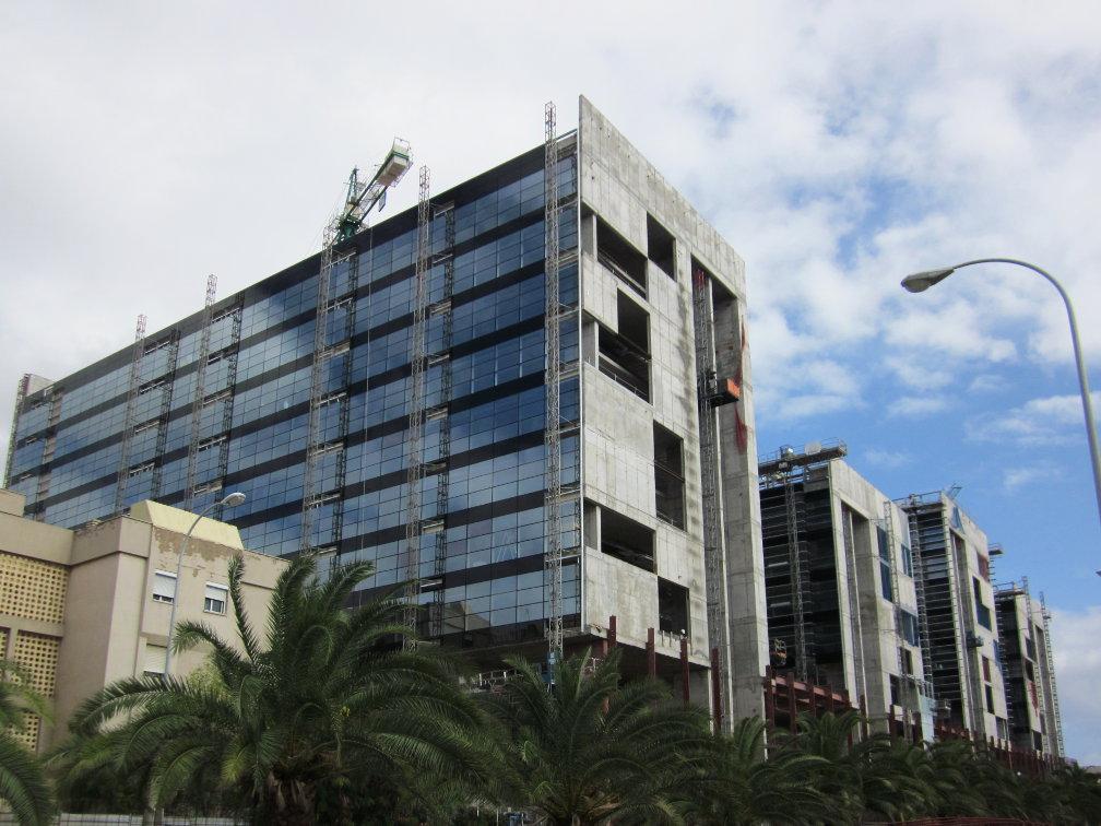 Fachada_muro-cortina_Ciudad Judicial de Las Palmas Riventi (1)