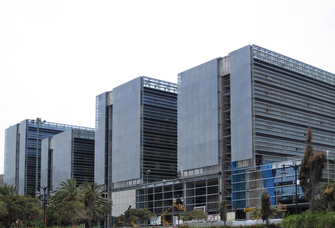 Fachada_muro-cortina_Ciudad Judicial de Las Palmas Riventi (10)