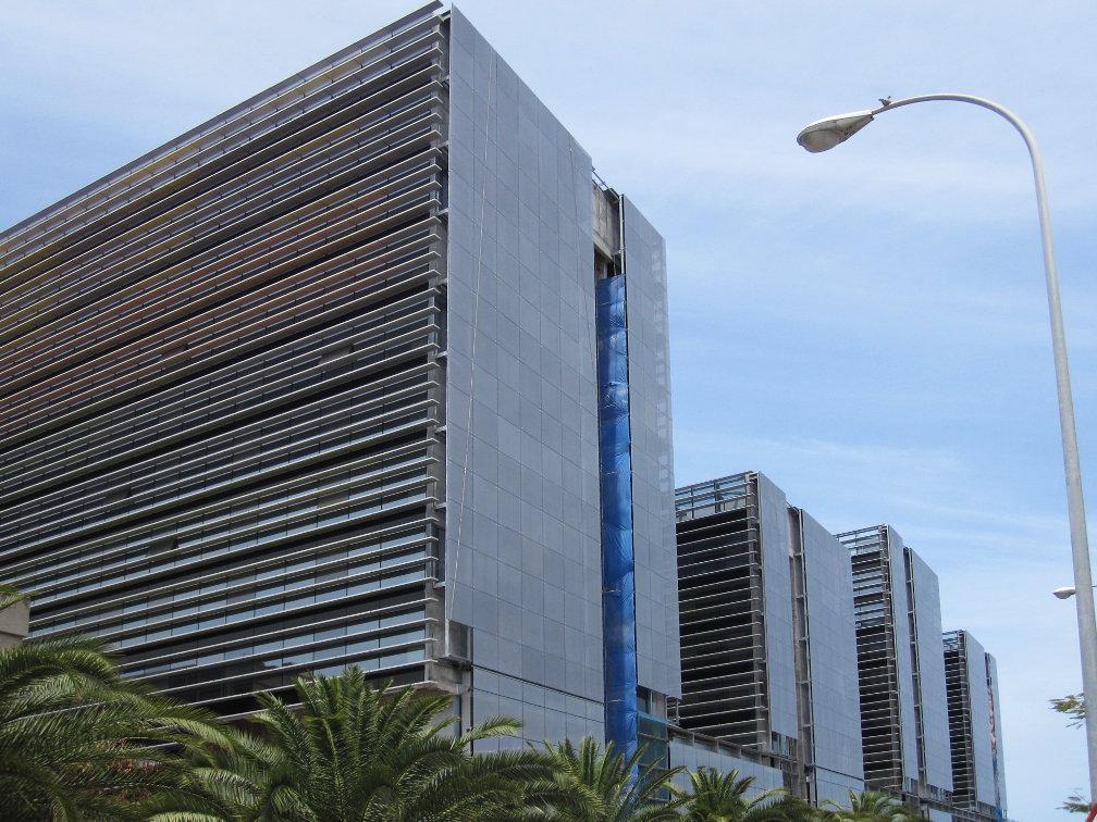 Fachada_muro-cortina_Ciudad Judicial de Las Palmas Riventi (3)