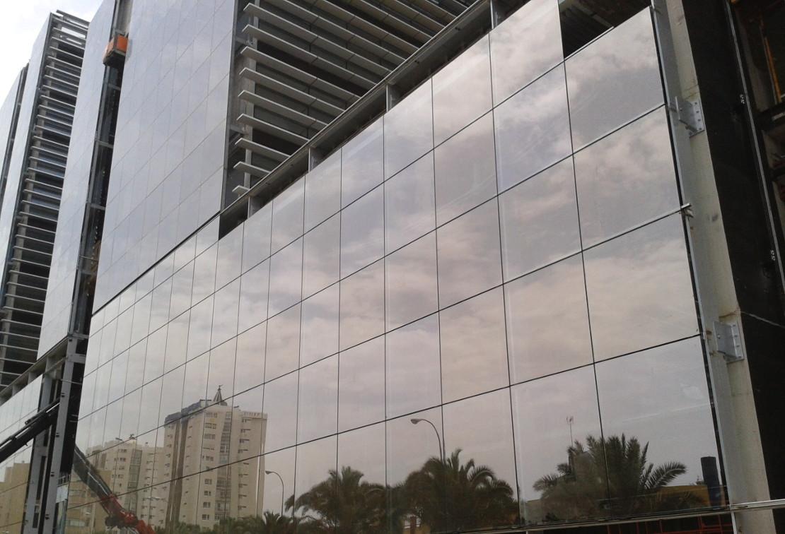 Fachada_muro-cortina_Ciudad Judicial de Las Palmas Riventi (7)