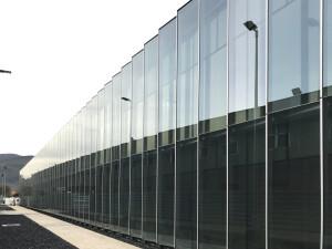 Fachada_vestuarios_petronor_muro-cortina-riventi-doble-piel (3)