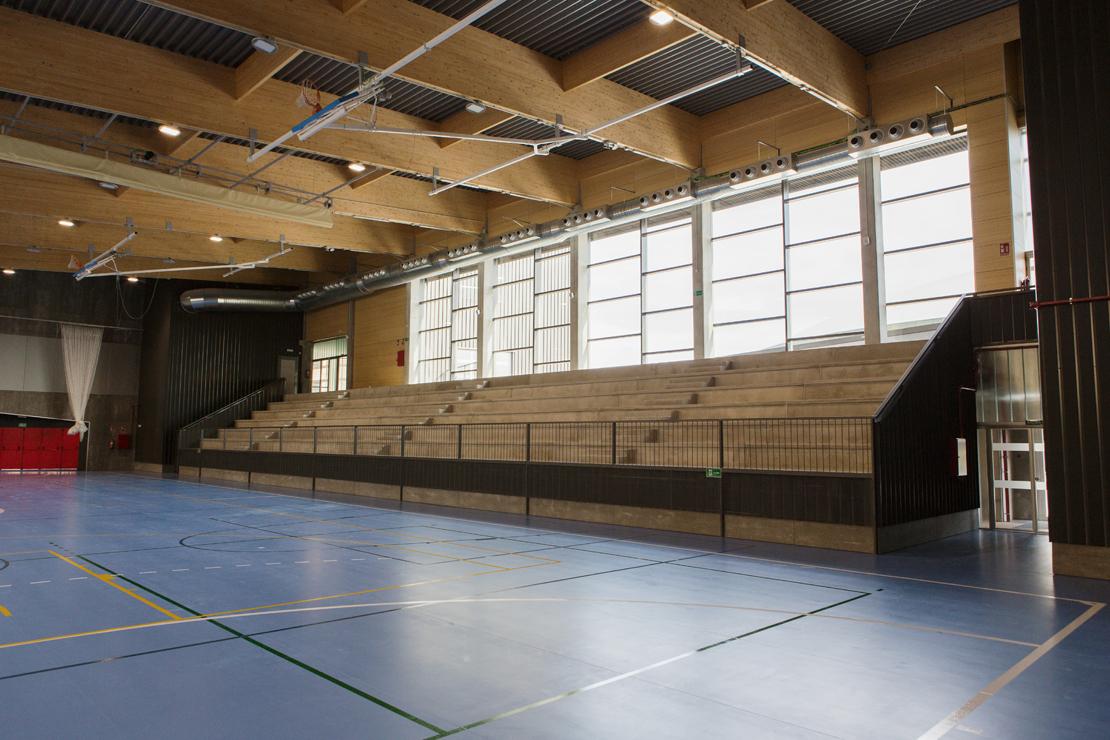 Fachada Muro Cortina Polideportivo SAFA - GL Arquitectura