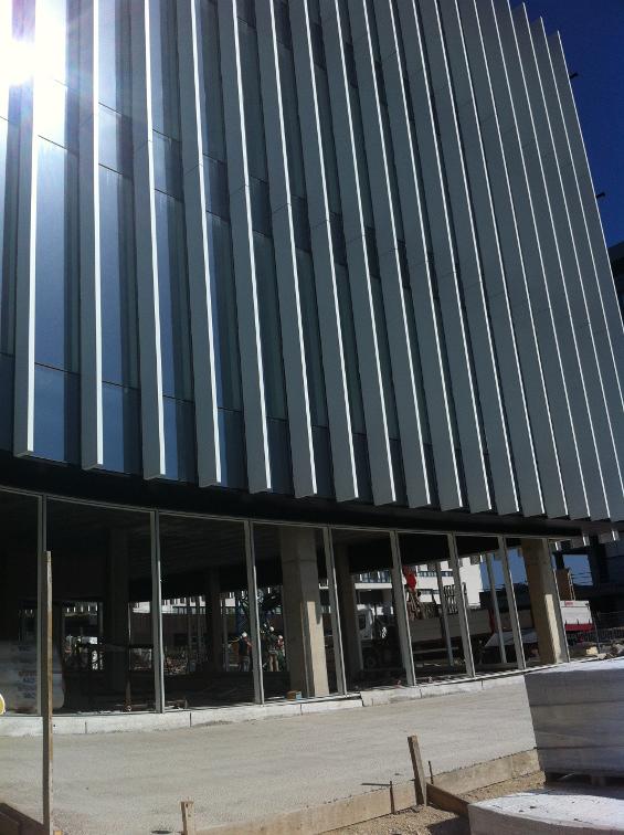 fachada-doble-piel-deploye-sede-parque-cientifico-upv-muro-cortina-riventi_obra (2)