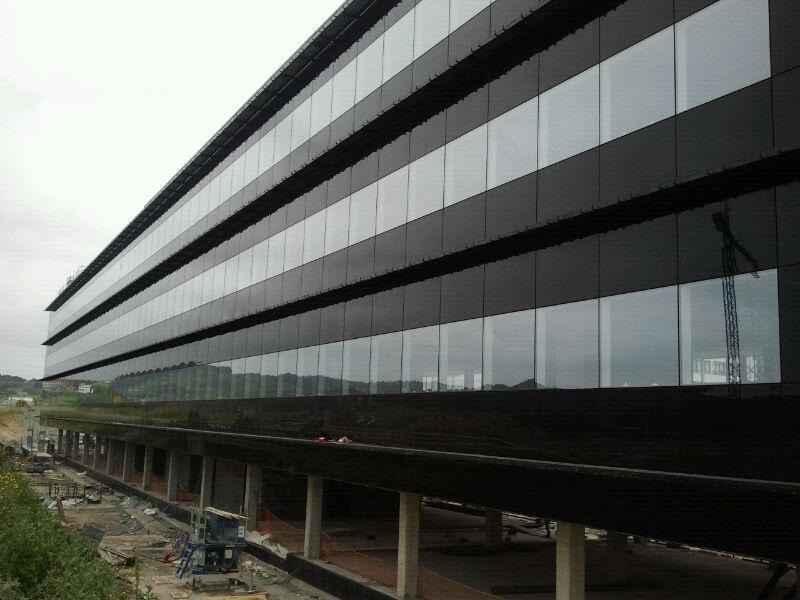 fachada-doble-piel-deploye-sede-parque-cientifico-upv-muro-cortina-riventi_obra (3)