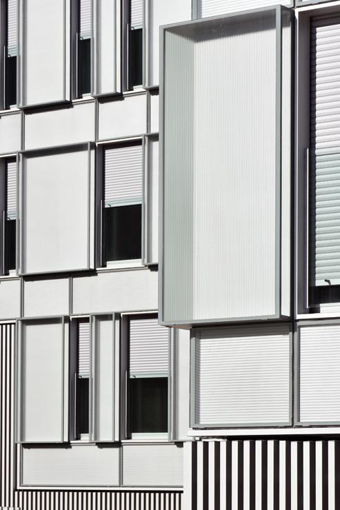 fachada-muro-cortina-cajas-vidrio-impreso-viviendas-torres-castilla-burgos-riventi (10)