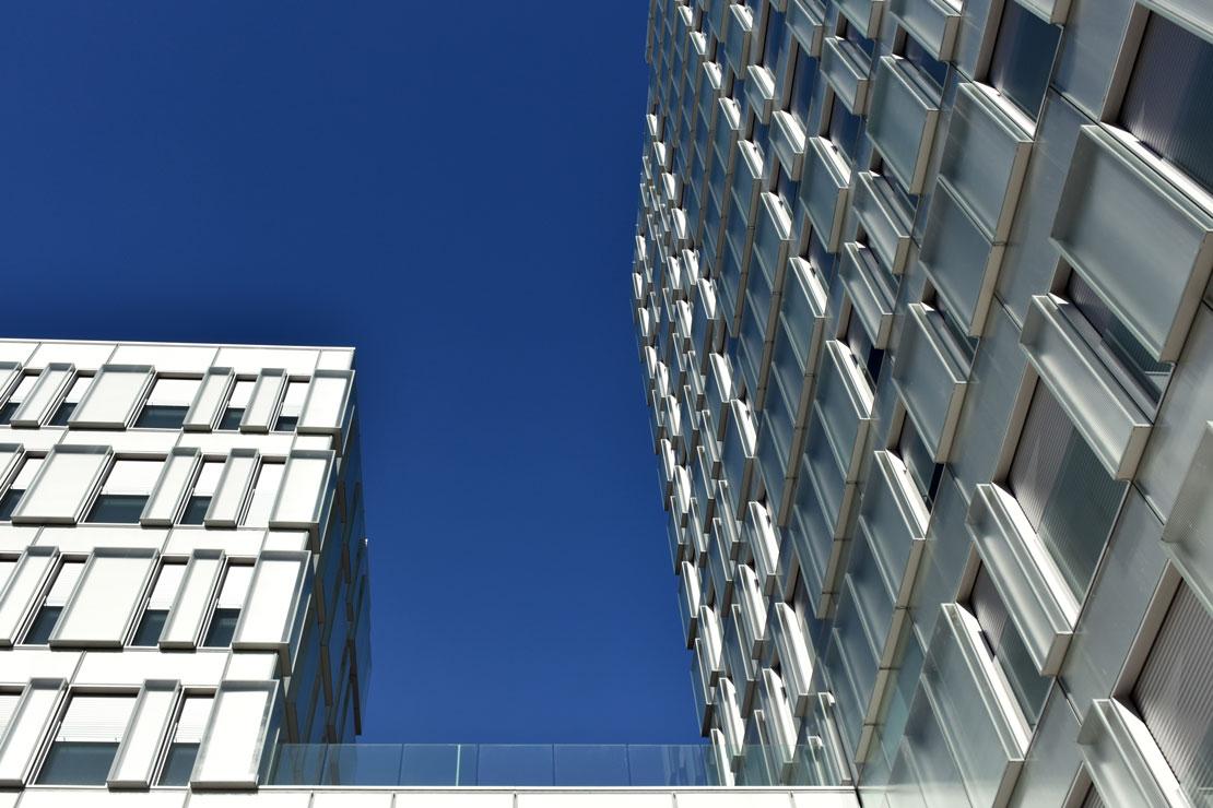 fachada-muro-cortina-cajas-vidrio-impreso-viviendas-torres-castilla-burgos-riventi (19)