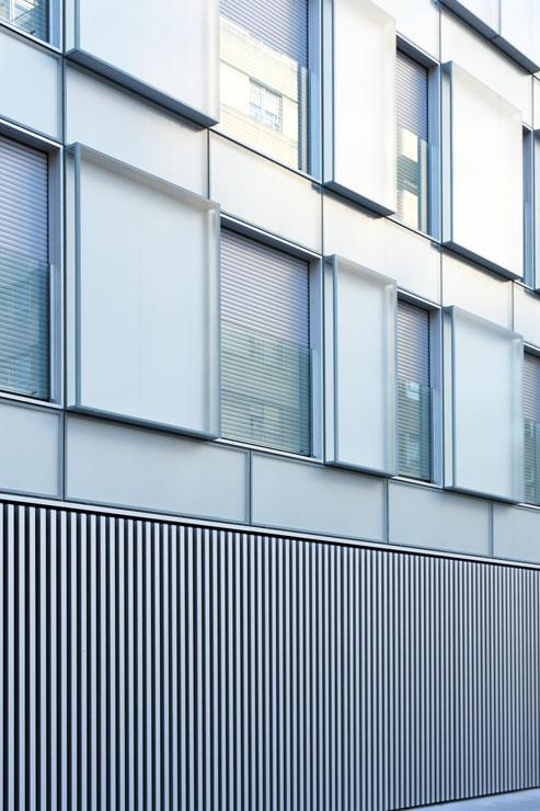 fachada-muro-cortina-cajas-vidrio-impreso-viviendas-torres-castilla-burgos-riventi (21)