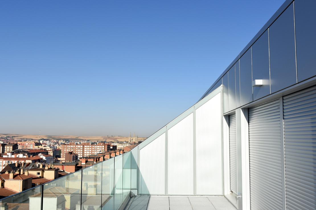 fachada-muro-cortina-cajas-vidrio-impreso-viviendas-torres-castilla-burgos-riventi (4)