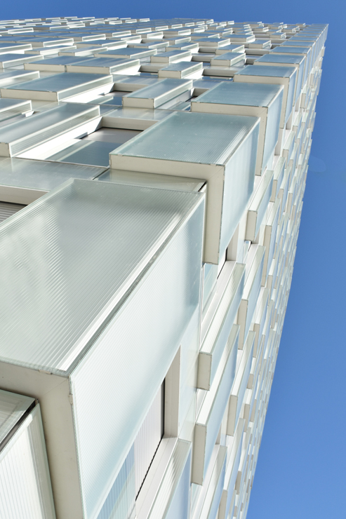 fachada-muro-cortina-cajas-vidrio-impreso-viviendas-torres-castilla-burgos-riventi (6)
