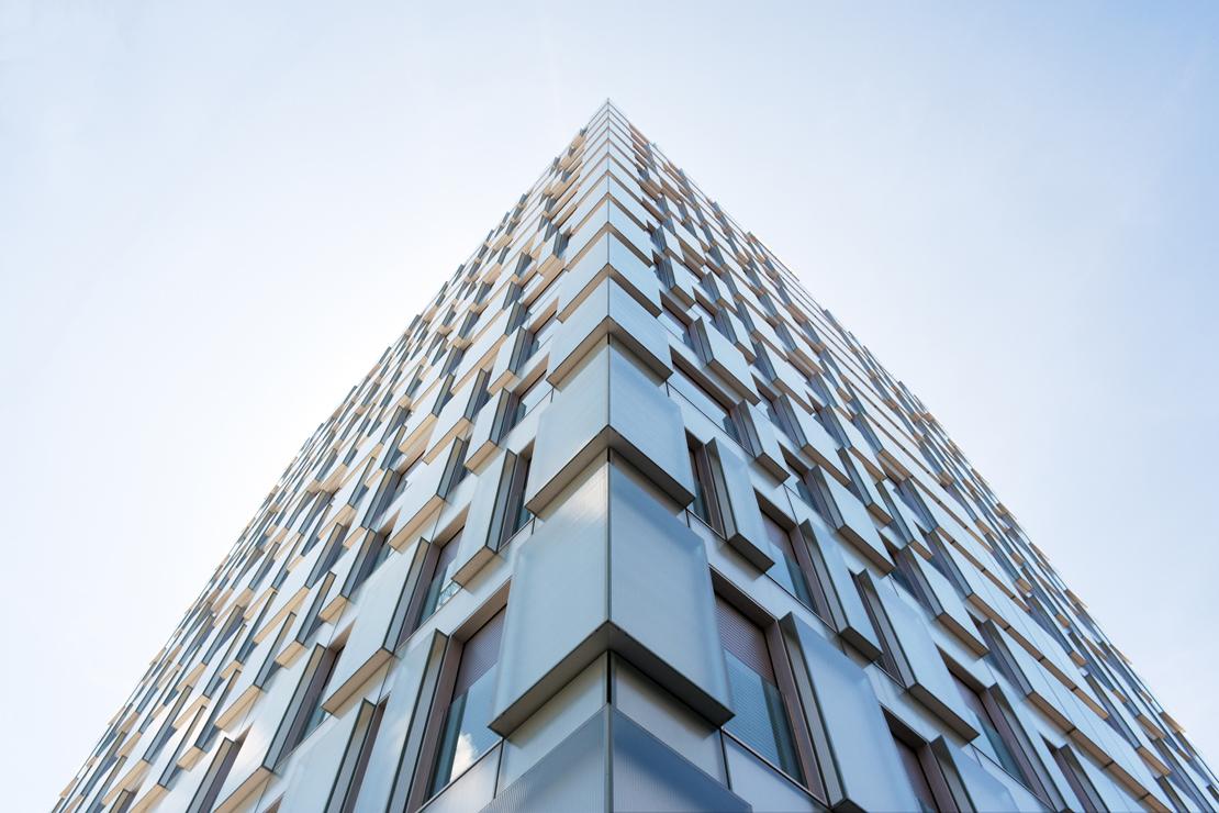 fachada-muro-cortina-cajas-vidrio-impreso-viviendas-torres-castilla-burgos-riventi_ (5)