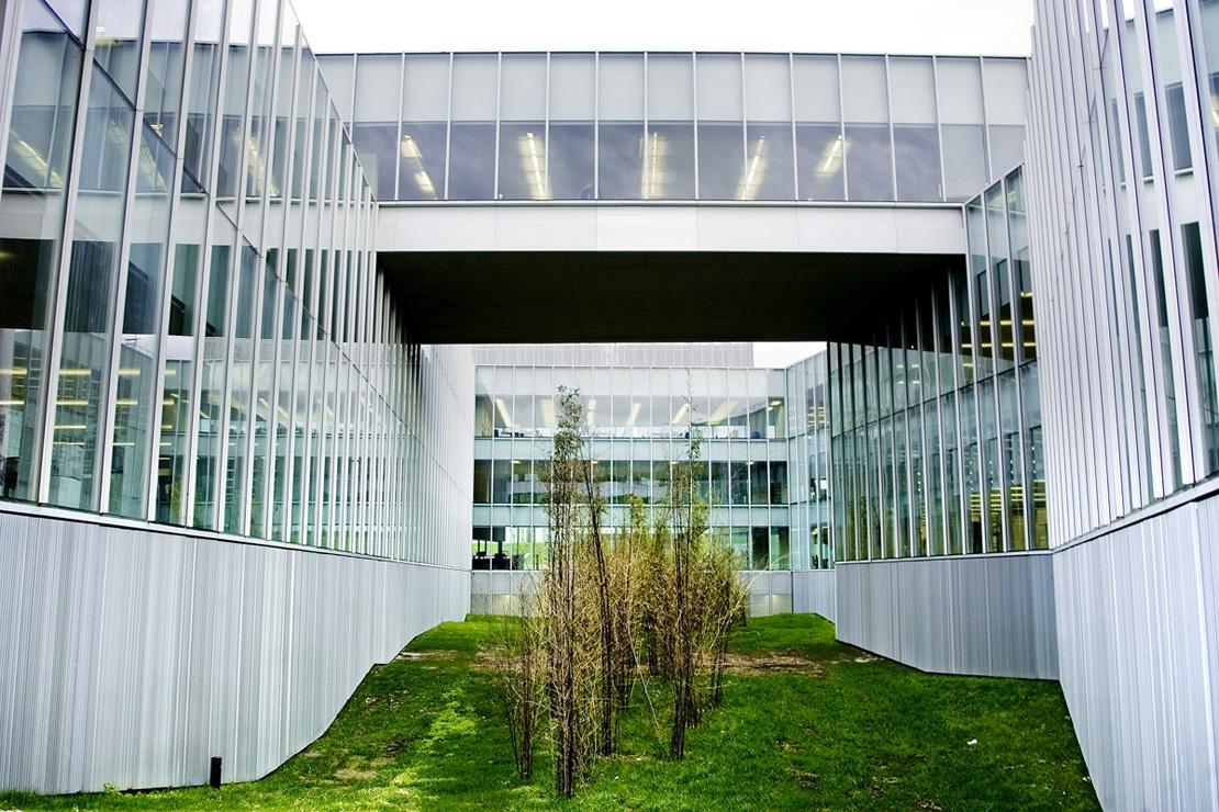 muro-cortina-fachada-Riventi-gamesa-eolica (3)