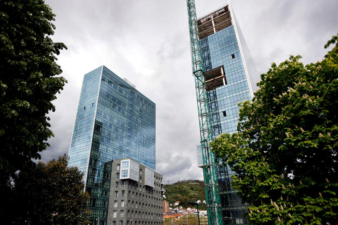 torres-isozaki-atea-muro-cortina-modular-fachada-riventi (1)