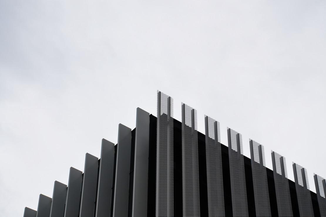 fachada-doble-piel-deploye-sede-parque-cientifico-upv-muro-cortina-riventi