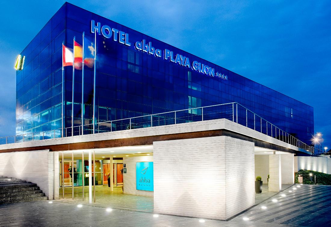 fachada-hotel-abba-gijon-muro-cortina-riventi