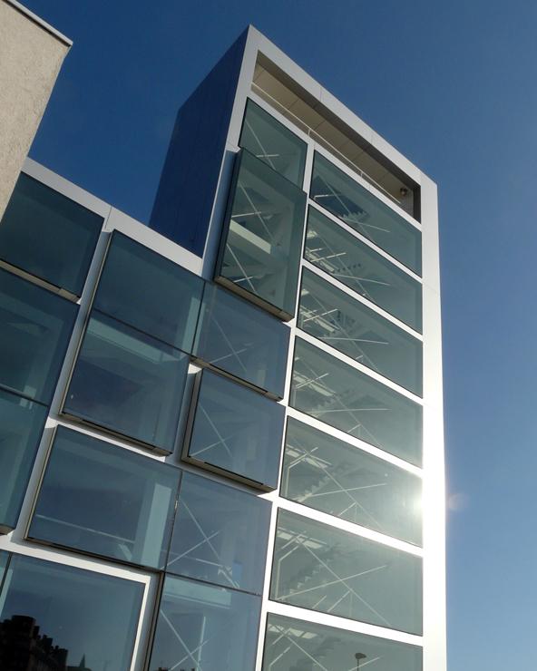 iglesia-miribilla-fachada-riventi-muro-cortina-modular (4)