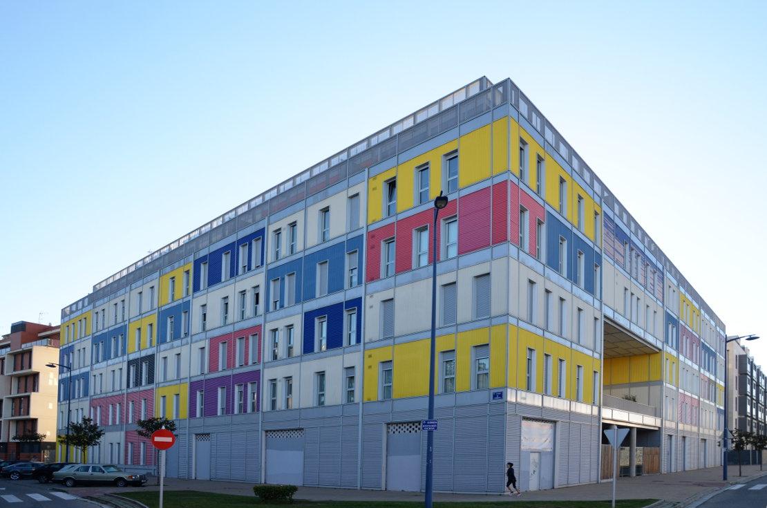 90-VPO-viviendas-consorcio-ferrocarril-Burgos Riventi-fachada-modular (4)