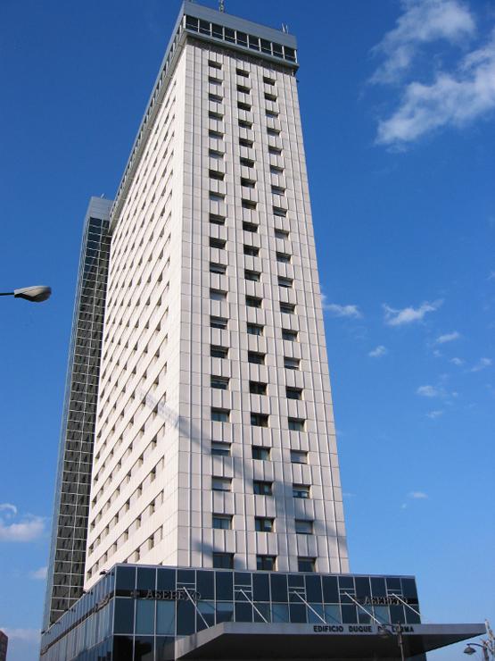 Edificio-duque-lerma-muro-cortina-mirador-riventi (1)