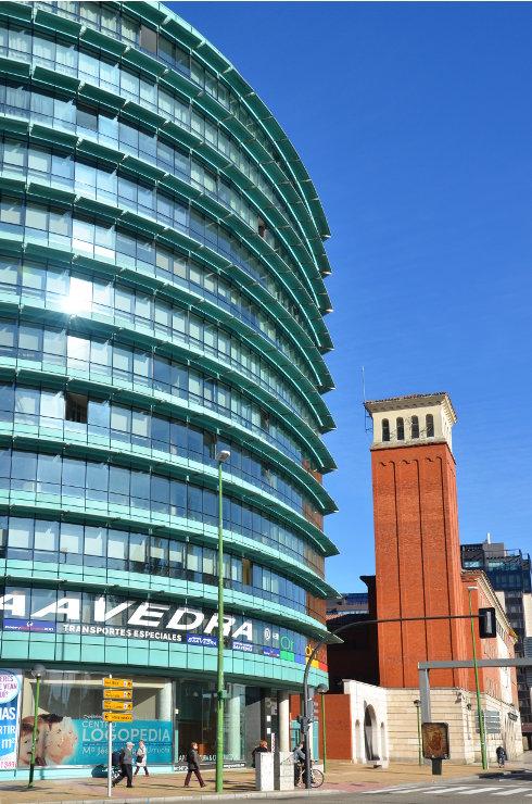 Fachada_modular_muro_cortina_parasoles_Edificio_Plaza_Rey_Burgos_Riventi (4)