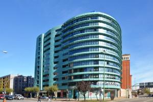 Fachada_modular_muro_cortina_parasoles_Edificio_Plaza_Rey_Burgos_Riventi (5)