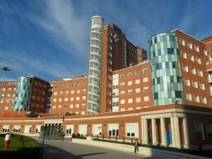 Muro-cortina-remodelacion-hospital-cruces-riventi (1)