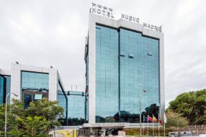 hotel-nuevo-madrid-fachada-muro-cortina-Riventi (1)