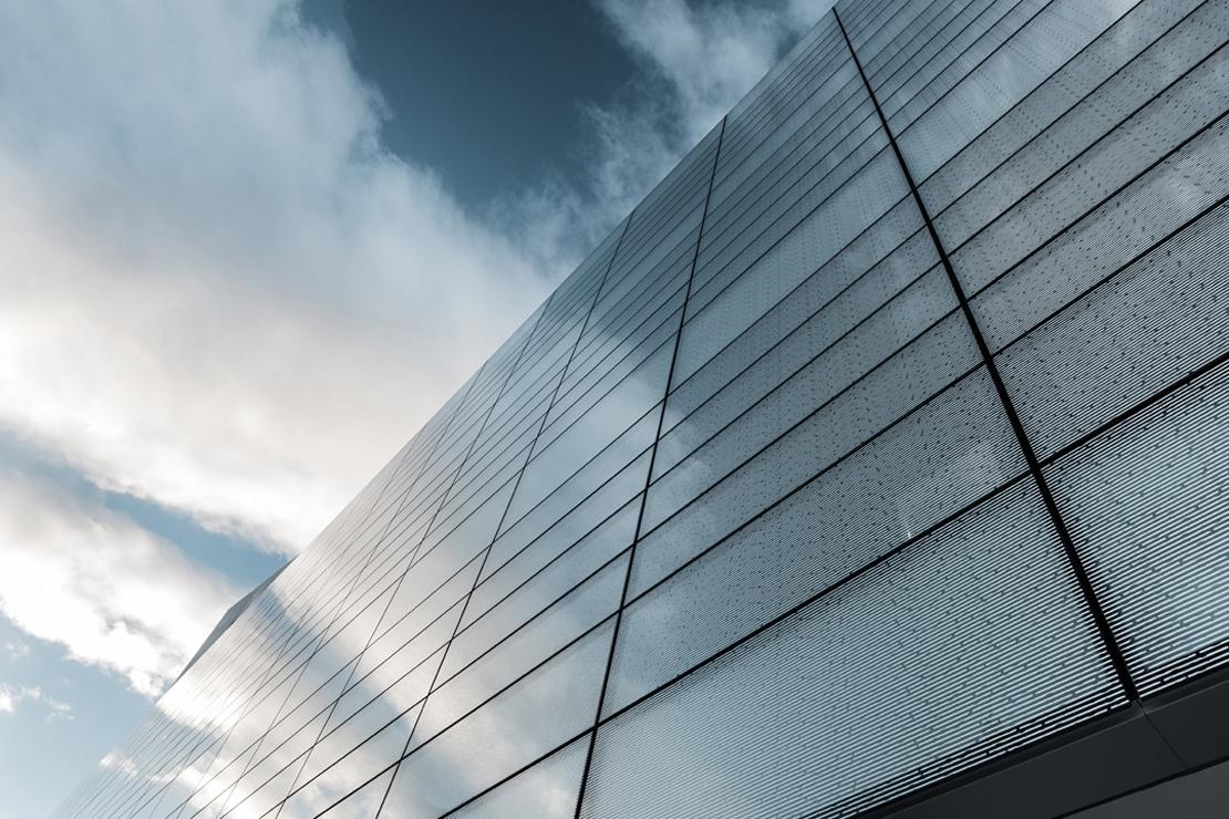 muro-cortia-TGSS-valladolid-lucernario-suspendido-fachada-riventi (17)