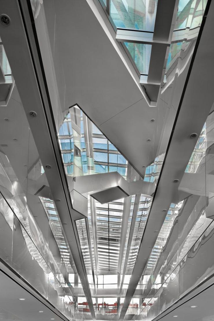 muro-cortia-TGSS-valladolid-lucernario-suspendido-fachada-riventi (9)