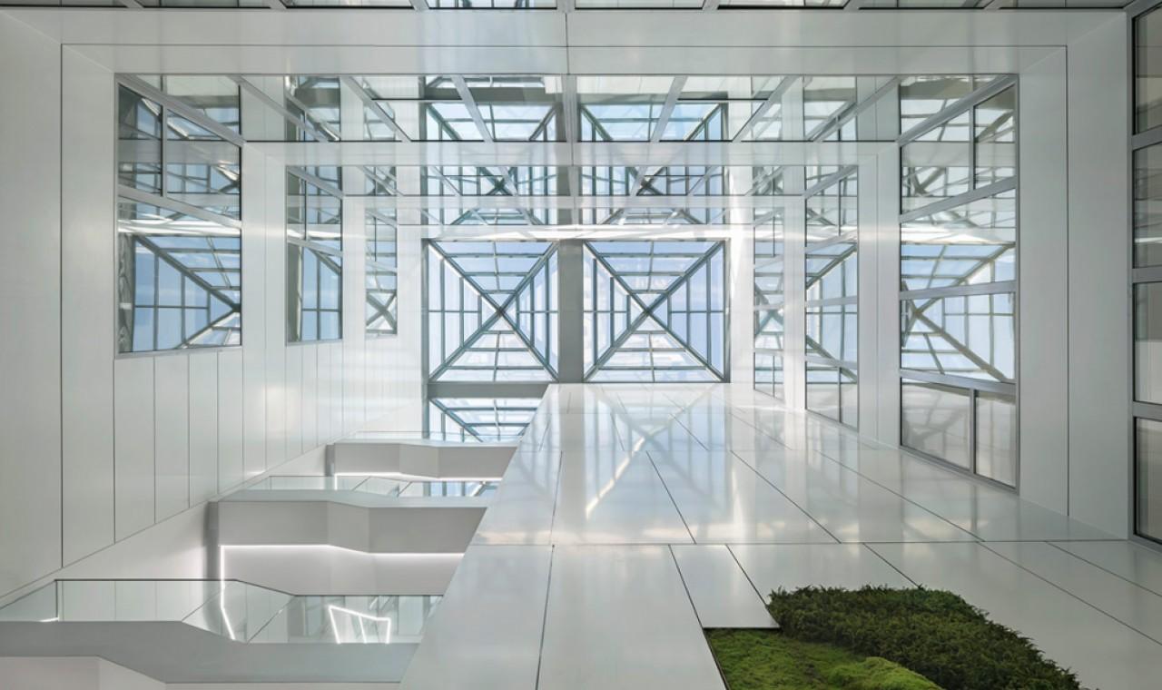 oficinas-telefonica-dictel-ramon-cruz-madrid-muro-cortina-lucernario-riventi (2)