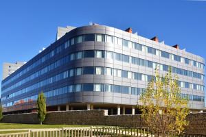 puerta-europa-viviendas-burgos-riventi-fachada-muro-cortina-modular (2)