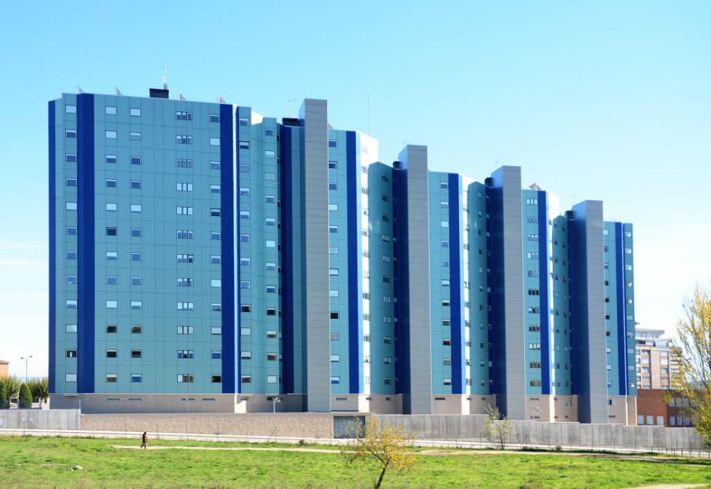 viviendas-Casa-Cuartel-Burgos-Riventi-fachada-ventilada-muro-cortina_modular (1)