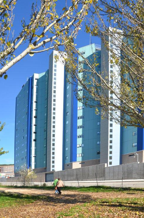 viviendas-Casa-Cuartel-Burgos-Riventi-fachada-ventilada-muro-cortina_modular (2)
