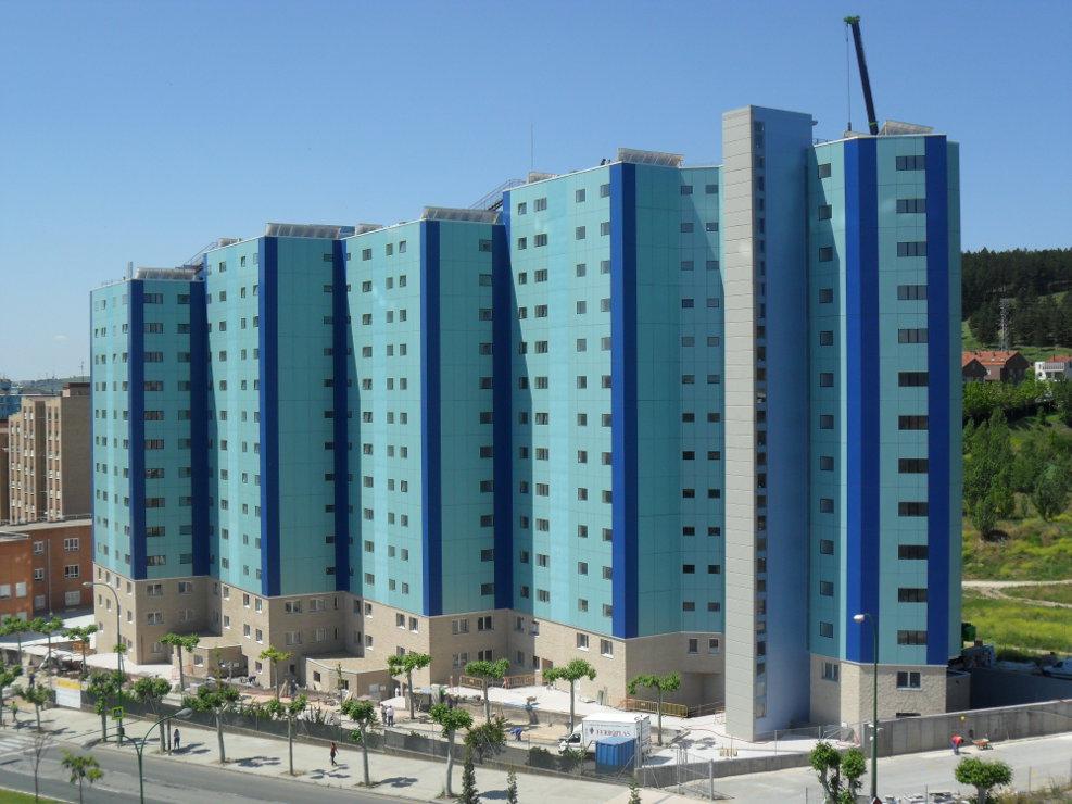viviendas-Casa-Cuartel-Burgos-Riventi-fachada-ventilada-muro-cortina_modular (3)