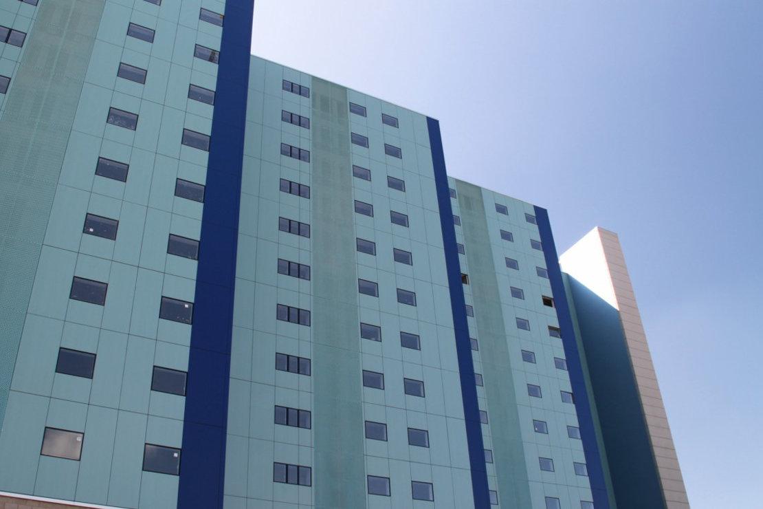 viviendas-Casa-Cuartel-Burgos-Riventi-fachada-ventilada-muro-cortina_modular (5)